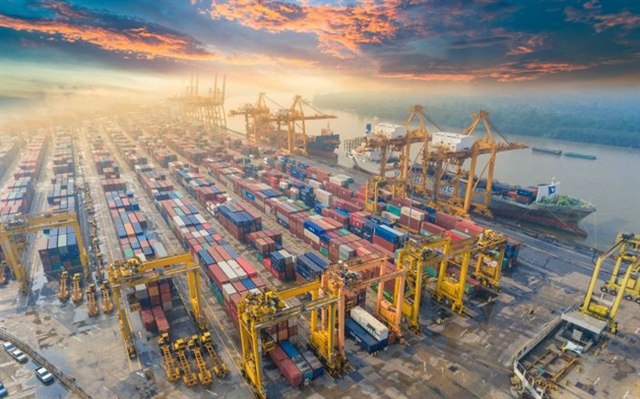 VN surpasses Hong Kong in port throughput