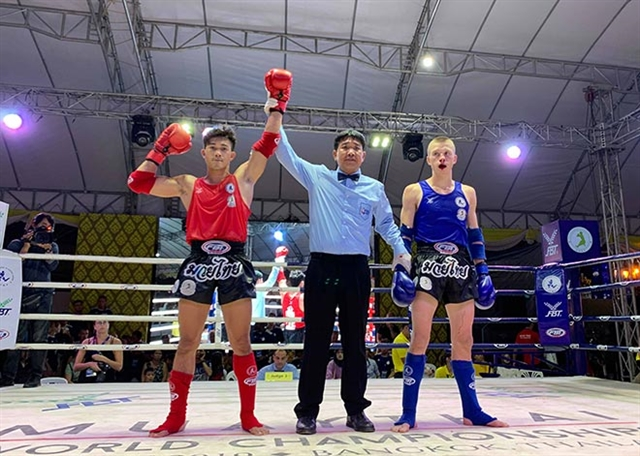 Nhất beats Falk at World Muay Thai Championships