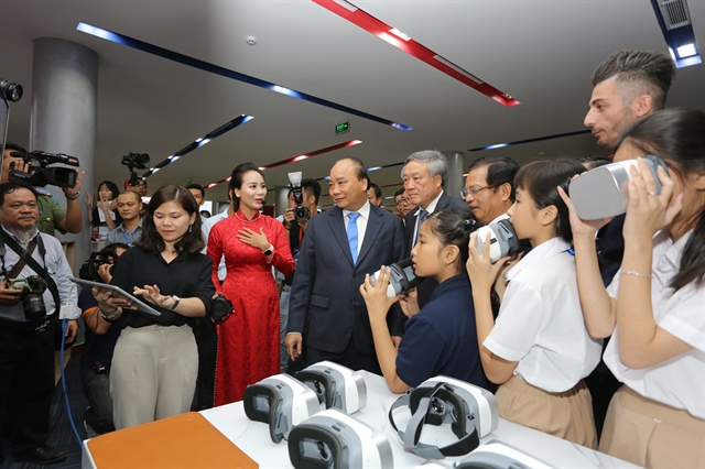 Prime Minister visits first international education city in Việt Nam