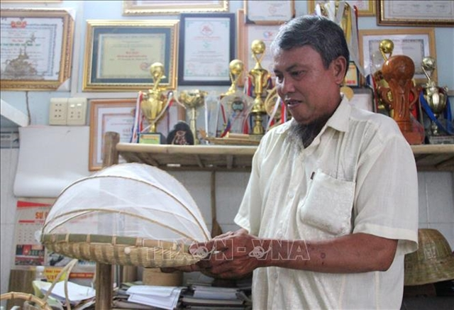 Farmer finds success exportingrattan and bamboo products