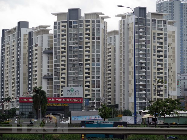 Real estate firms switch to bonds due to lessbank loans