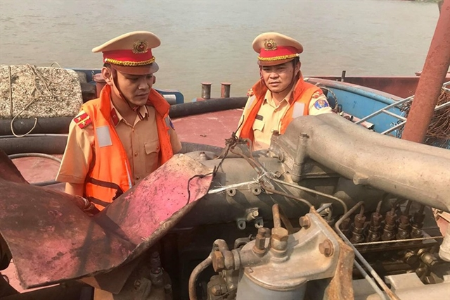 Hà Nội to auction Red River sand mining rights