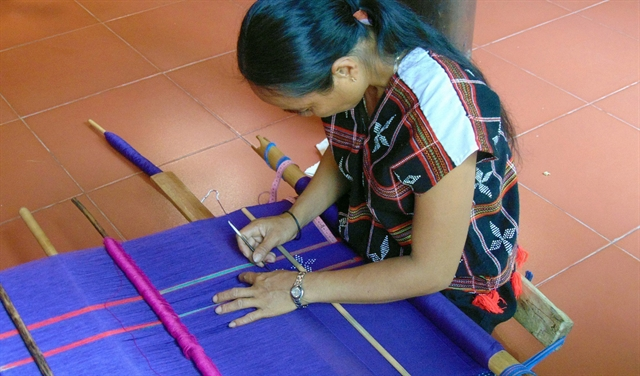 Hội An festival honours Việt Nams traditional silk brocade weaving