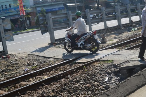 Railway needs more money to close illegal crossings