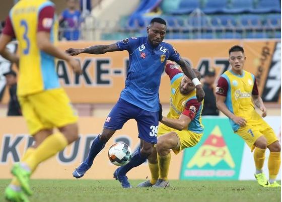 Quảng Nam down Khánh Hoà 4-2 in V.League