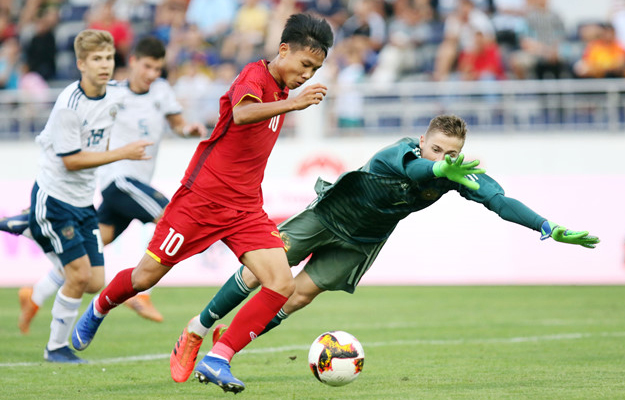 Việt Nam defeat Russia in U15 tournament opener