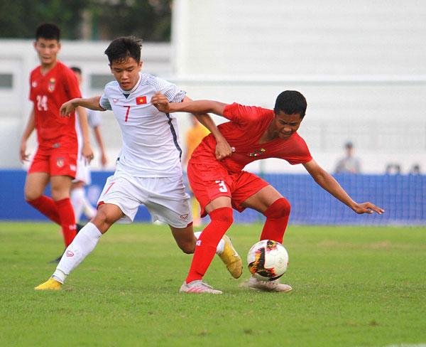 Việt Nam U15s beat Myanmar 2-1 in Acecook Cup