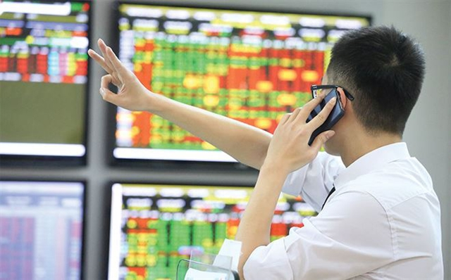 VN shares move up but liquidity modest