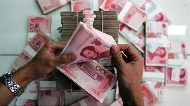 Chinas prolonged falling yuan may harm Việt Nams trade