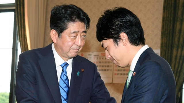 Abe to carry out major Cabinet reshuffle to tackle challenges