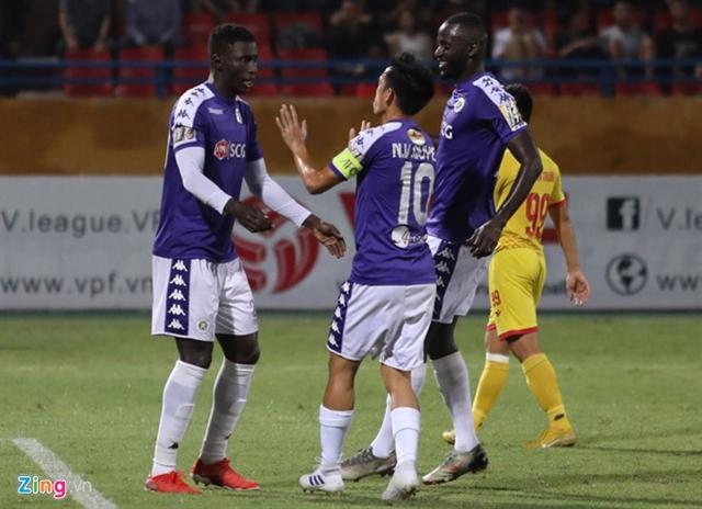 Hà Nội win game in hand extendV.League 1 lead