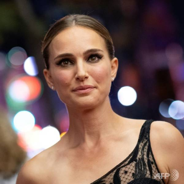 Natalie Portman joins Hollywood space race with 'Lucy in the Sky