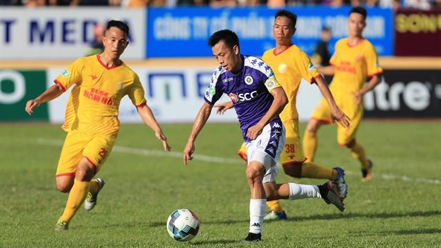 Hà Nộilose home advantage for run-in