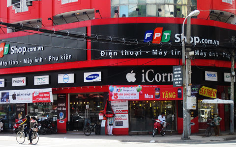 VN-Index gains for second day pre-purchases boost retail stocks