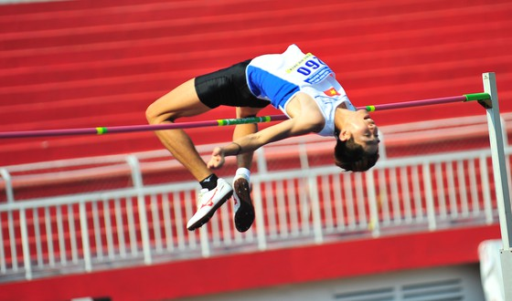 Anh wins gold at national athletics champs