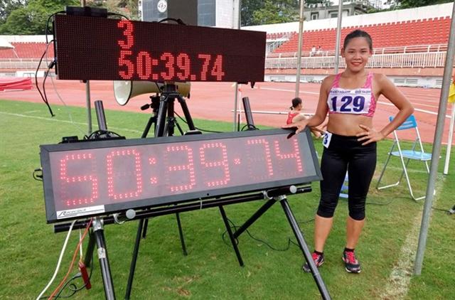 Race walker Phúc breaks national walking record
