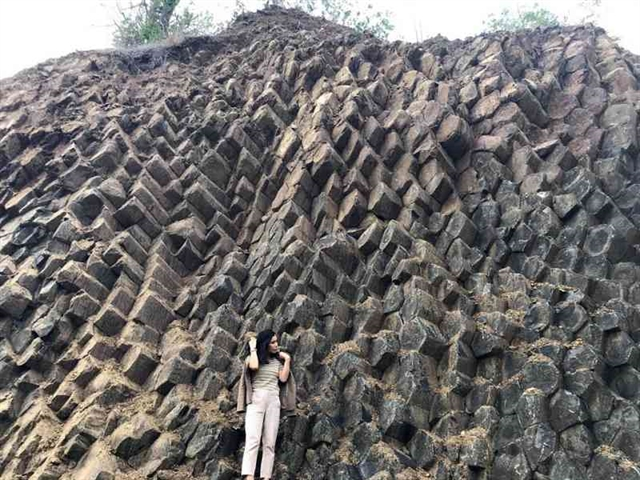 New rock formation exposed in Phú Yên