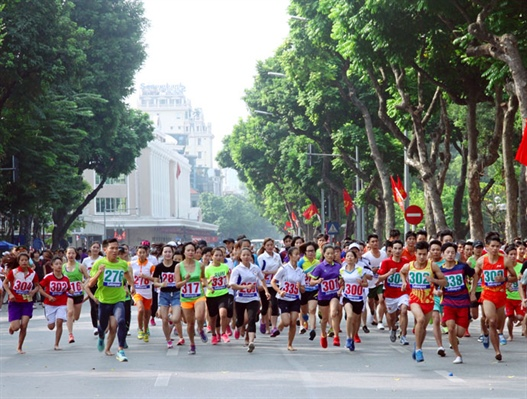 Athletes compete at Hà Nội Mới Newspaper – Run for Peace this Sunday