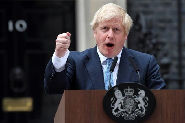 British PM faces Brexit rebellion threatens election