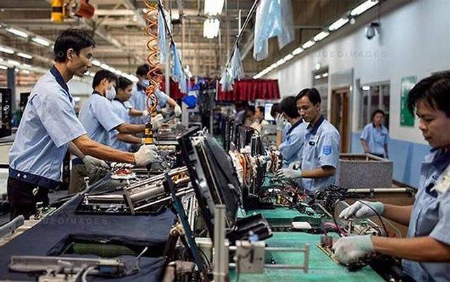 Việt Nams PMI falls to 51.4 in August