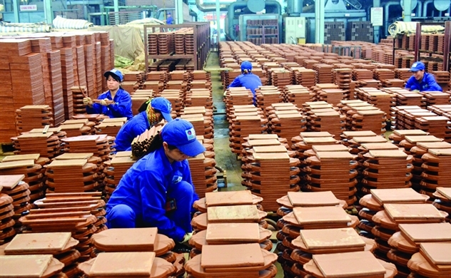 VN stocks fall trading remains quiet amid risk concerns