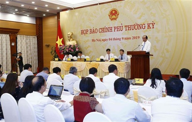 Officials quizzed on hot topics