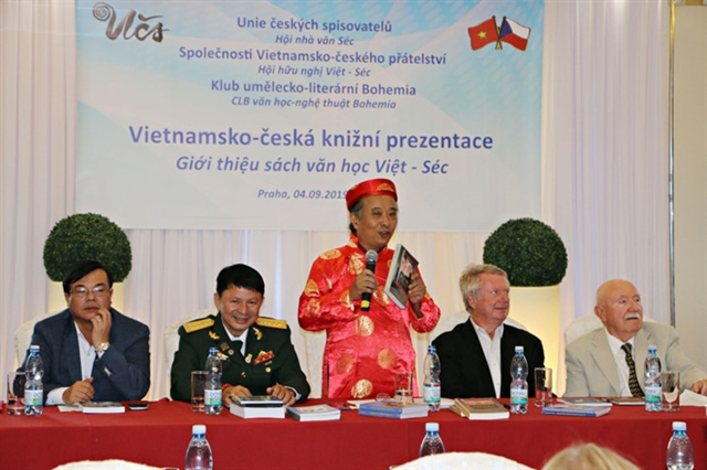 Books helps Vietnamese learn about the Czech Republic