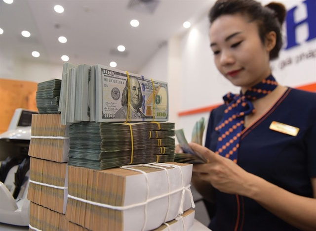 Bank liquidity abundant ahead of Tết