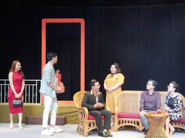 Theatres put on array of dramatic performances during Tết
