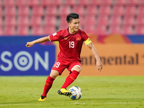 Hải and Hậu up for Golden Ball award