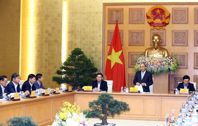 PM Phúc has working session with economic advisory group