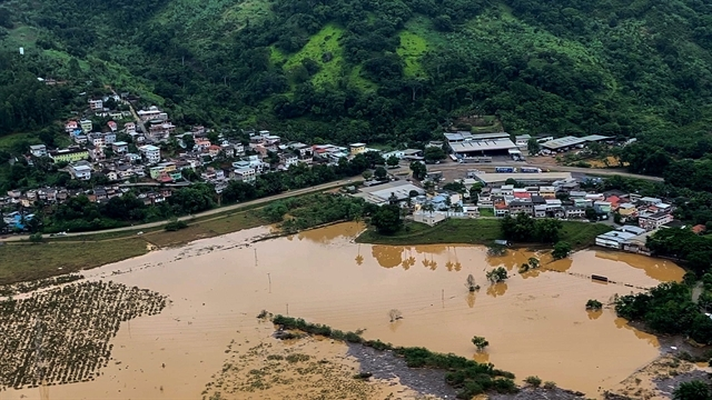 Record southeastern Brazil rainstorms kill 30