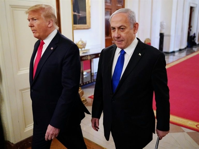 Trump unveils Mideast plan favorable to Israel angering Palestinians
