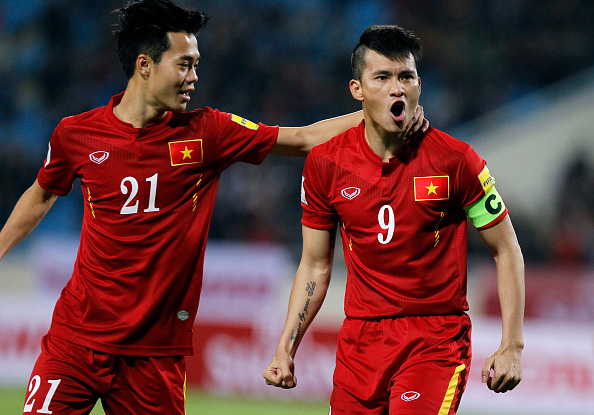 Vinh invited to play in Football For Fires charity match