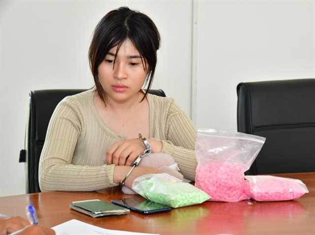 Woman arrested for smuggling 3000 meth pills