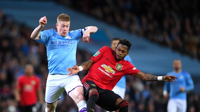 Man City hold off Man Utd to reach League Cup final