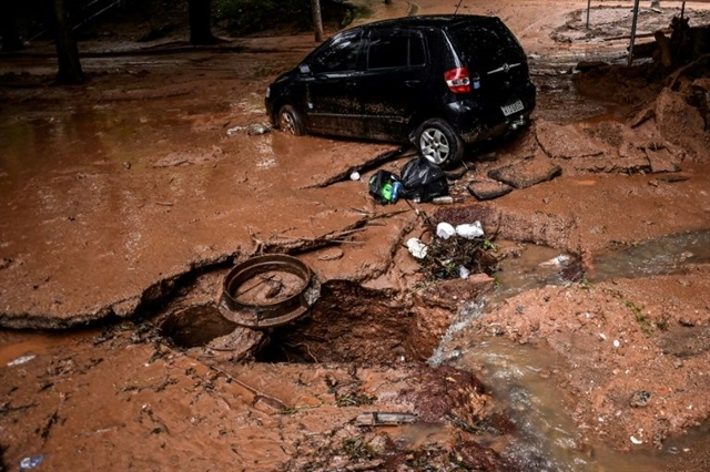 More torrential rain in Brazil raises death toll to 54