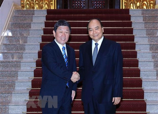PM Nguyễn Xuân Phúc welcomes Japanese Foreign Minister