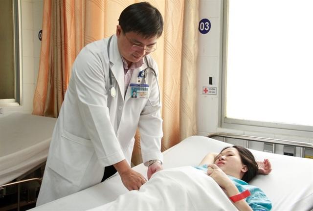 Doctors nurses welcome Tết in hospital