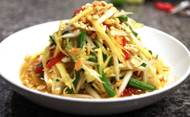 Khmer mixed papaya salad: specialty in An Giang