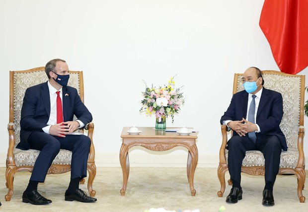 PM Nguyễn Xuân Phúc welcomes UK foreign minister