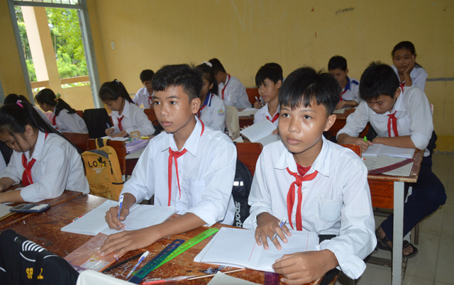Pandemic makes returning to Việt Nam to study tough for Vietnamese in Cambodia