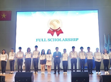 International University presents 138 scholarships