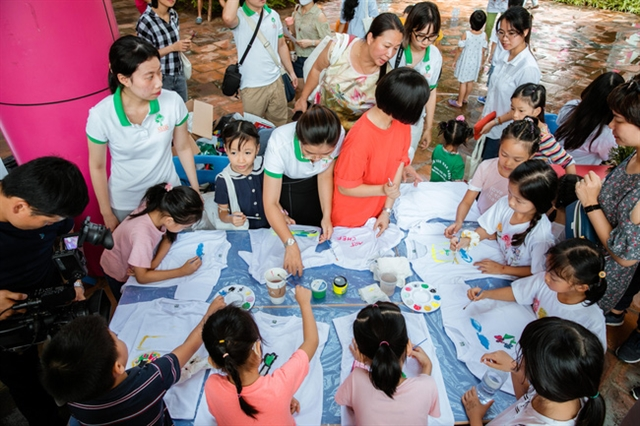 Vietnamese children youths engage in environmental protection