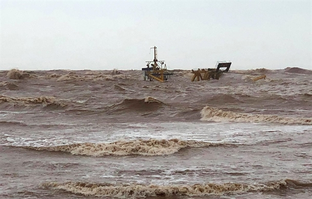 Seven crewmen from drifting vessels saved at sea