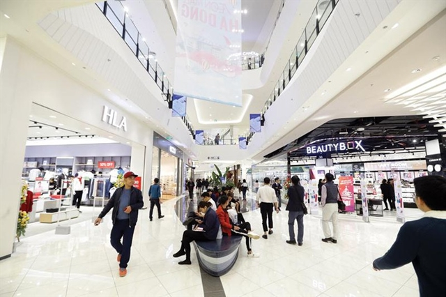 Retailers rush to expand market share