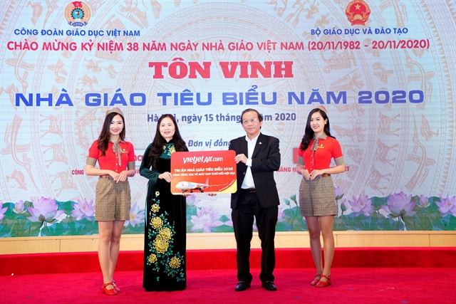 Vietjet sells two million discounted tickets to celebrate Vietnamese Teachers Day