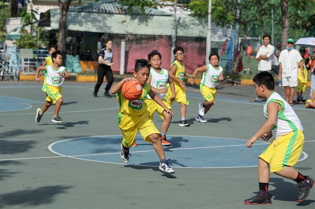 165 teams compete in the final round of HCM City school basketball tournament