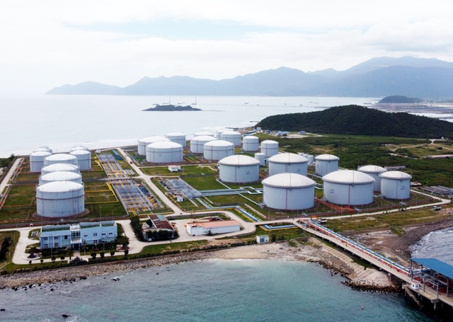 Investors interested in LNG projects in Vân Phong EZ