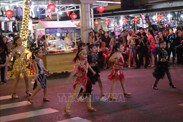 New walking street in Lạng Sơn attracts thousands of visitors